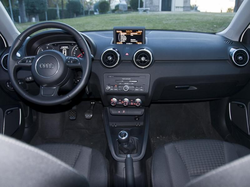 fotos audi a1 1 6 tdi audi a1 1 6 tdi 105 cv. Black Bedroom Furniture Sets. Home Design Ideas