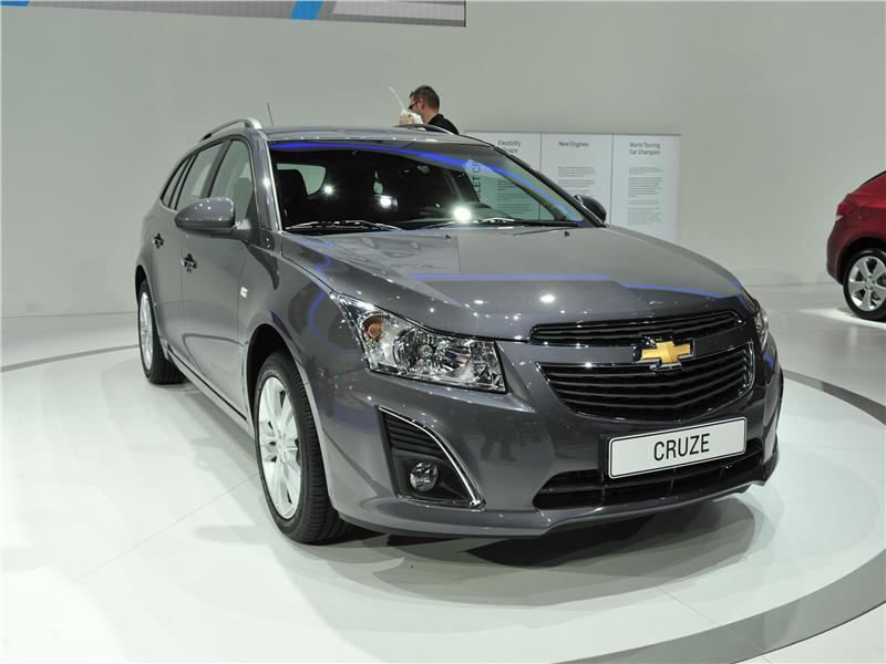 http://fotos.coches.net/coches/noticias/14949/386060.jpg