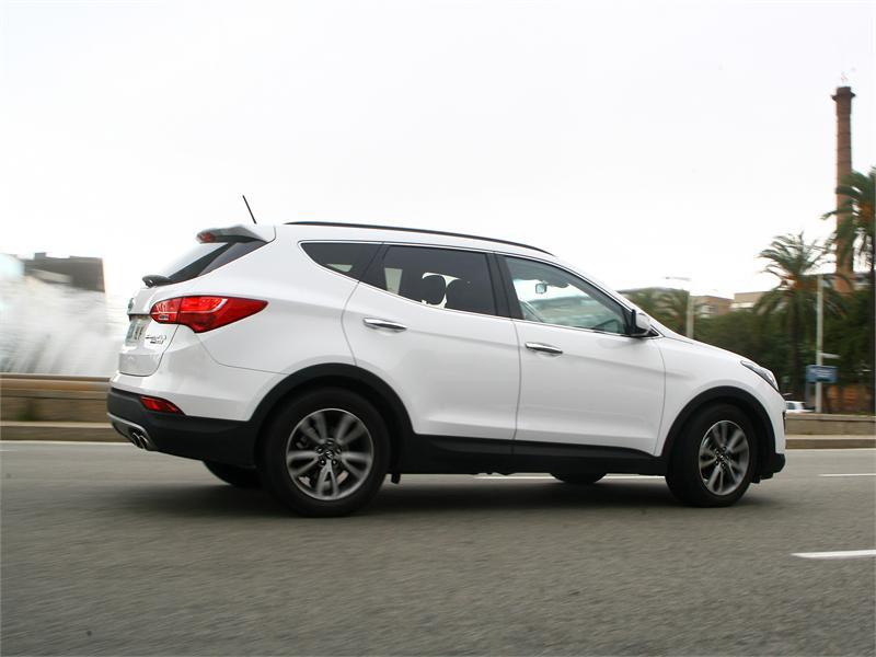Hyundai Santa Fe 2.2 CRDi 4x4 Tecno Sky Ver vídeo Lee esta noticia al